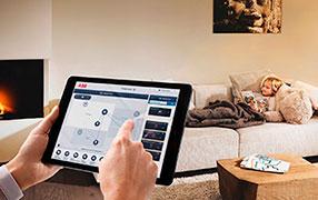 Управление домом с планшетного компьютера или смартфона через систему управления ABB-free@home®